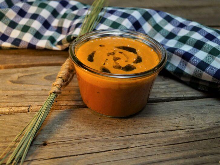 KücheDaheim - Tomatencreme, Kräuteröl