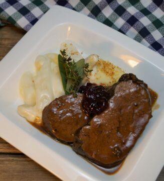 KücheDaheim - Hirschkalbskeule, Spargelgemüse